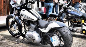 モノクロシックなバイク